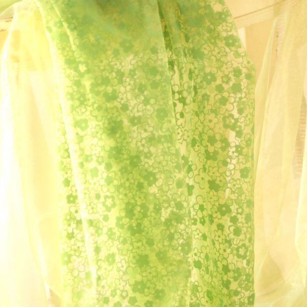 Organza Blumen, beflockt, grün-hellgrün