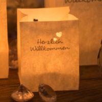 Lichtertüten Herzlich Willkommen mit Herzen, silber Länge: 7,5, Breite: 7,5, Höhe: 9,5cm