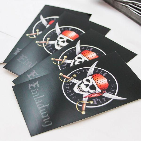 Einladungskarten Piraten, schwarz-rot