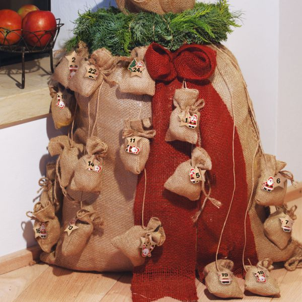 Adventskalender Jutesäckchen an Kordel Weihnachtsmann natur-gold
